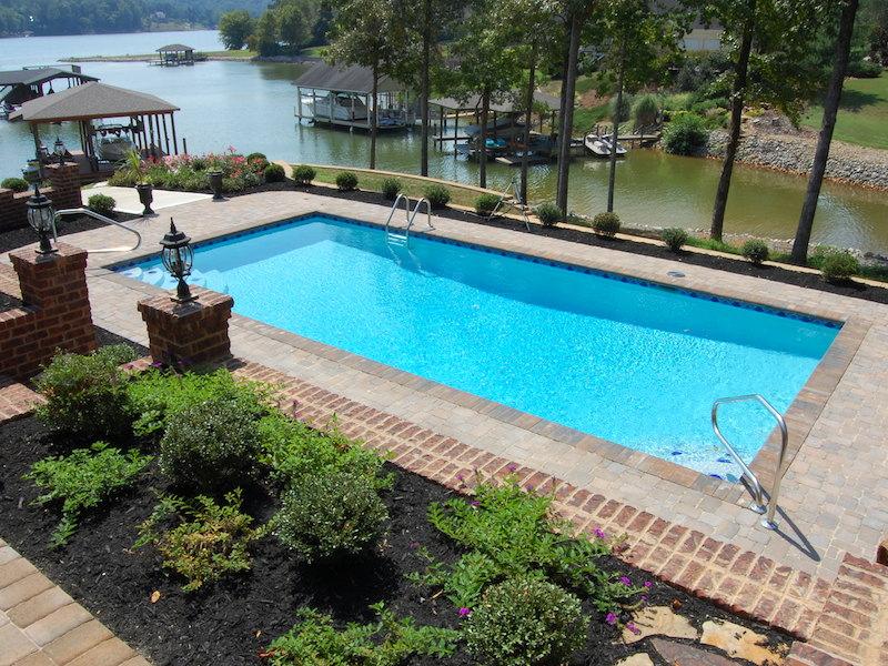 πισίνα χωρίς άδεια